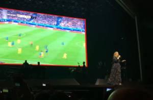 France - Roumanie : Quand Adele arrête son show pour diffuser le match !