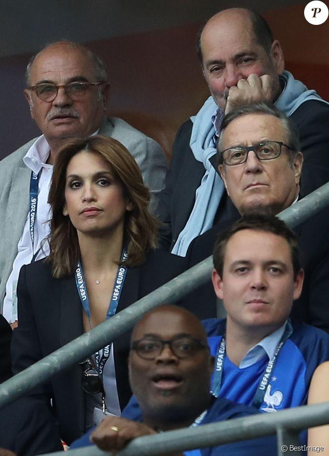 Charles villeneuve et sonia mabrouk au match d 39 ouverture de l 39 euro 2016 france roumanie au - Sonia mabrouk en couple ...