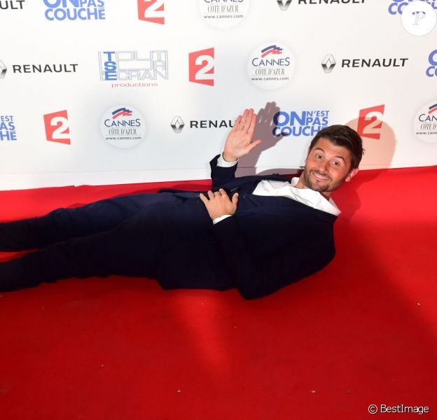"Christophe Beaugrand - Photocall de l'enregistrement de l'émission ""On n'est pas couché"" à la Villa Domergue de Cannes le 18 mai 2016. © Veeren-Gorassini/Bestimage"