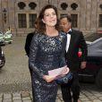 La princesse Caroline de Hanovre arrive à la résidence de Munich pour un dîner de gala de l'AMADE en Allemagne le 14 juin 2016.