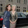 La princesse Caroline de Hanovre accueilliepar Angelika Diekmann le 14 juin 2016 à un dîner de gala au profit de l'AMADE et de la Fondation Roland Berger à la résidence de Munich, en Allemagne. Photo by Ursula Dueren/DPA/ABACAPRESS.COM