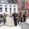 Princesse Alix de Ligne & son père Michel de Ligne - Mariage de la princesse Alix de Ligne et Guillaume de Dampierre, en l'église Saint-Pierre à Beloeil, en Belgique. Le 18 juin 2016