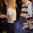 Exclusif - Renaud - Backstage du concert exceptionnel de Grand Corps Malade avec de nombreux artistes sur scène au Trianon à Paris, le 17 juin 2016. À l'issue du concert Grand Corps Malade a reçu un disque de platine entouré de tous ses amis. © CVS / Veeren / Bestimage