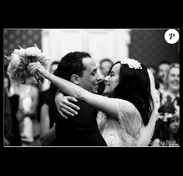 Alizée et Grégoire Lyonnet amoureux : Tendre photo de leur mariage en Corse, le 18 juin 2016
