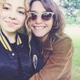 Nina Blanc-Francard et sa mère Emma de Caunes (photo postée le 19 juin 2016)