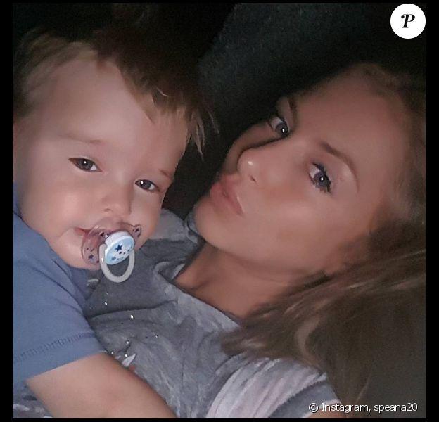 Petit selfie en famille avec Lyam et Stéphanie Clerbois