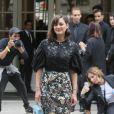 """Marion Cotillard - Arrivées au défilé de mode Haute-Couture automne-hiver 2016/2017 """"Christian Dior"""" à Paris. Le 4 juillet 2016 © CVS-Veeren / Bestimage"""