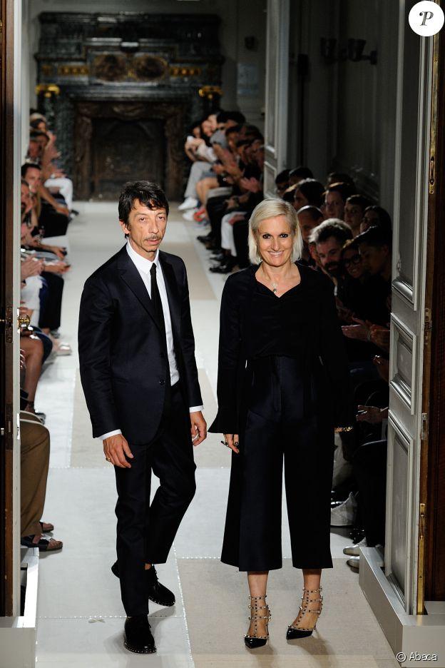 Pierpaolo Piccioli et Maria Grazia Chiuri - Défilé Valentino (collection homme printemps-été 2017) à Paris. Le 22 juin 2016.