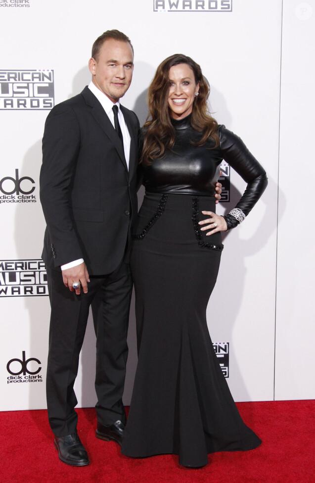 """Alanis Morissette et son mari Mario Treadway à la 43ème cérémonie annuelle des """"American music awards"""" à Los Angeles le 23 novembre 2015."""