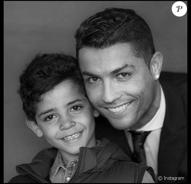 Cristiano Ronaldo et son fils Cristiano Junior, joli portrait père-fils publié sur Instagram, mars 2016.