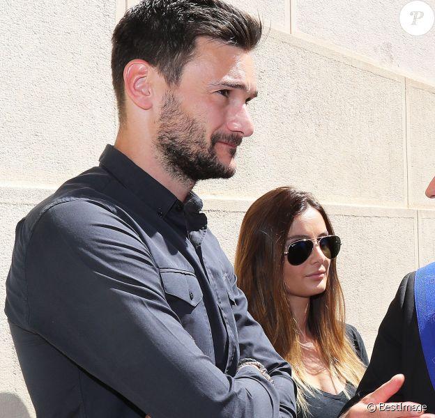 Le gardien de l'équipe de France de football Hugo Lloris et sa femme Marine - Le premier ministre Manuel Valls à Nice pour participer à l'hommage aux victimes de l'attentat de la Promenade des Anglais qui a fait 84 morts à Nice le 18 juillet 2016.