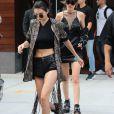 Gigi Hadid et Kendall Jenner quittent l'appartement de Gigi à New York le 24 juillet 2016.