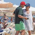 Exclusif - Niki Lauda et sa femme Birgit Wetzinger sur la plage lors de leurs vacances à Formentera, le 26 juillet 2016.