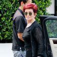 Exclusif - Sharon Osbourne au téléphone dans les rues à Los Angeles Le 23 Juillet 2016