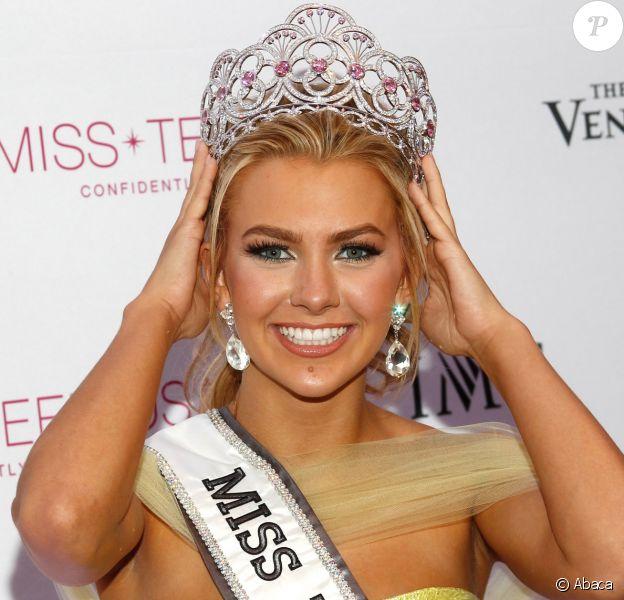 Karlie Hay (Miss Teen USA 2016) lors de son élection au Venetian Resort Hotel Casino à Las vegas le 30 juillet 2016