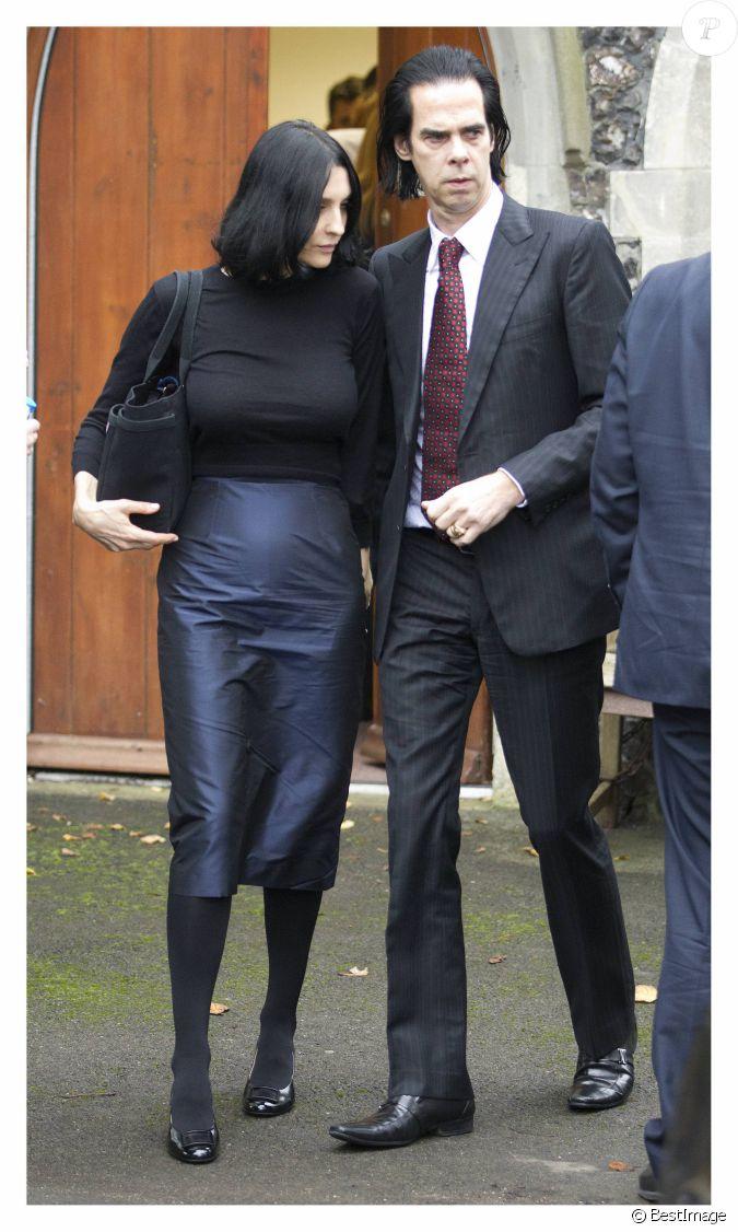 Nick cave et sa femme susie arrivent au bureau de m decine - Femme faisant l amour au bureau ...