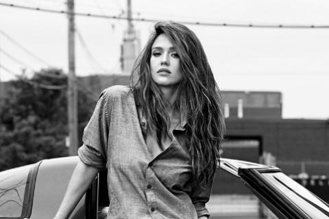 Jessica Alba : Sublime modeuse, elle sait tout faire !