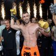 """Le boxeur croate Danijel Solaja et le boxeur Yohan Lidon (Le Bûcheron) vainqueur - Soirée """"La Fight Night"""" de Saint-Tropez, France, le 4 août 2016. La Fight Night est un concept original alliant les plus hautes valeurs des sports de combats internationaux au glamour de Saint-Tropez. Certains des plus grands noms de la boxe thaï et du kick-boxing mondiaux se sont affrontés sur ce ring faisant désormais partie de la légende de la boxe sous toutes ses formes. Cette prestigieuse soirée de gala au clair de lune est devenue au cours du temps LA marque d'un succès sportif et people retentissant. Un événement incontournable dans le village le plus célèbre de la Côte d'Azur. © Rachid Bellak/Bestimage"""