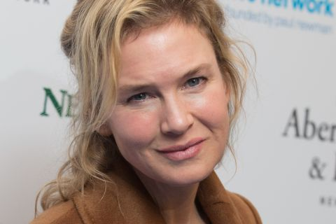"""Renée Zellweger et la chirurgie esthétique : Face à la """"cruauté"""", elle dénonce"""