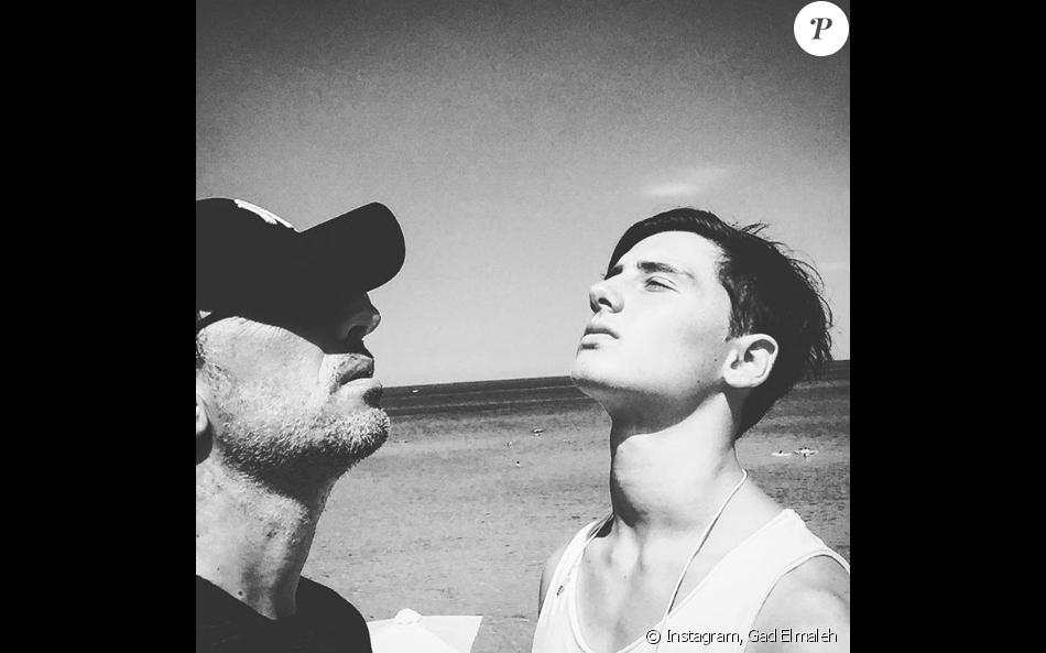 Gad Elmaleh célèbre son fils Noé (photo postée le 6 août 2016)