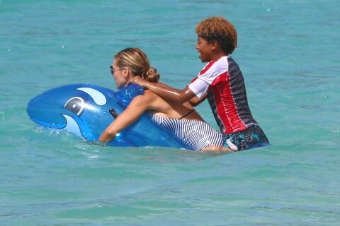 Heidi Klum : Vagues, bodysurf et corps de rêve, ses vacances en famille !