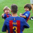 Gerard Piqué avec ses enfants Milan et Sasha- Match FC Barcelone - Betis Seville au Camp Nou. Barcelone, le 20 août 2016.