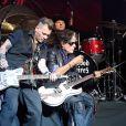 Johnny Depp en concert avec Alice Cooper avec son groupe The Hollywood Vampires Coney Island, le 10 juillet 2016. Joe Perry, guitariste du groupe Aerosmith, a fait un malaise sur scène pendant le concert.10/07/2016 - Coney Island