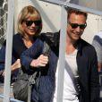 Taylor Swift et son compagnon Tom Hiddleston arrivent à l'aéroport de Sydney, Australie, le 8 juillet 2016.