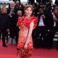 Clémence Poésy - Montée des marches de la cérémonie de clôture du 69ème Festival International du Film de Cannes. Le 22 mai 2016. © Giancarlo Gorassini/Bestimage
