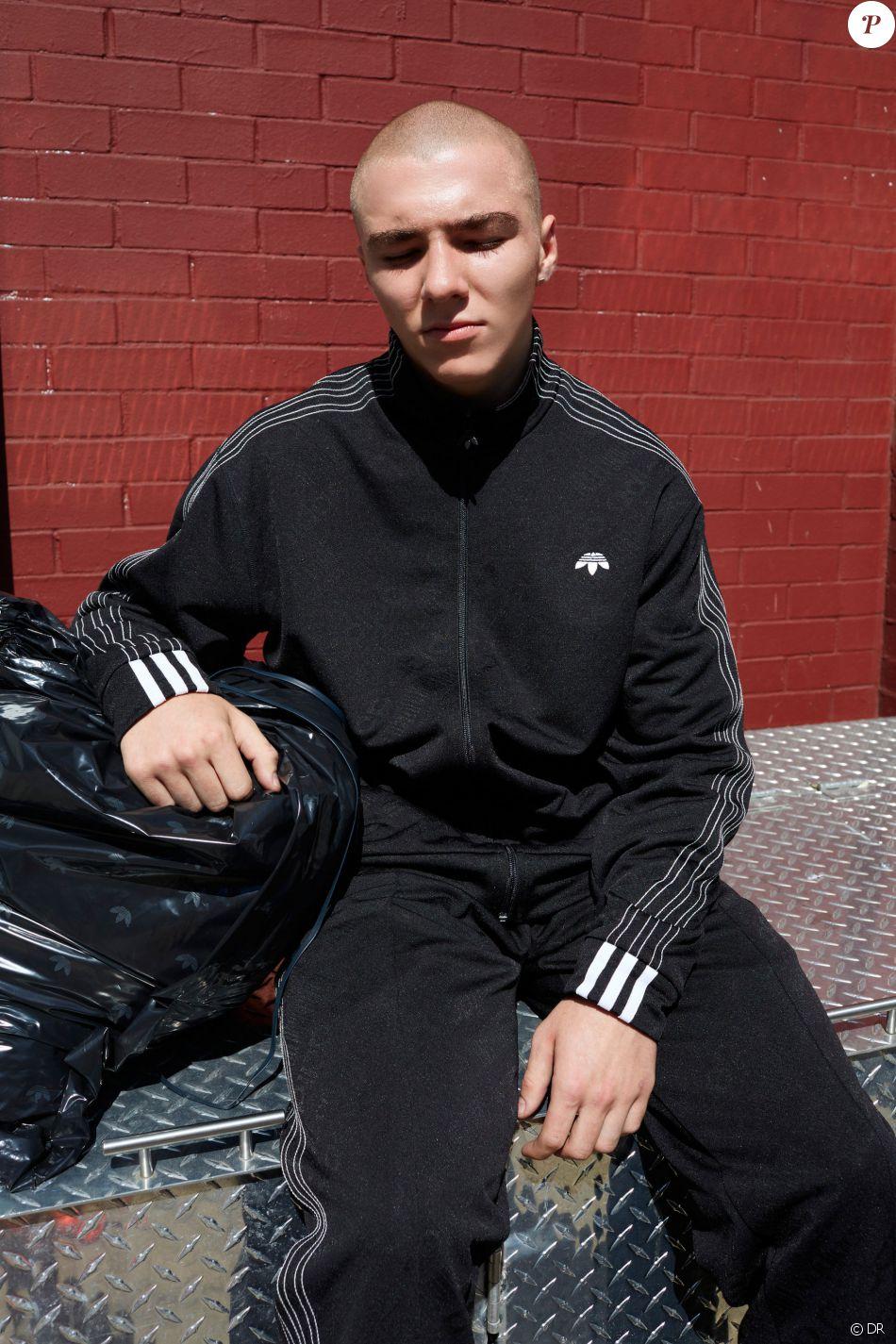 Rocco Ritchie figure sur le look book de la collection adidas Originals by Alexander Wang. Photo par Juergen Teller.