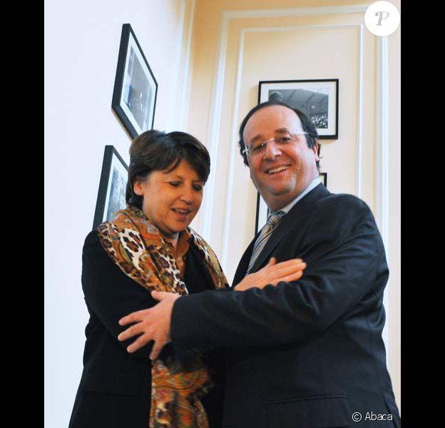 François Hollande passe le flambeau à Martine Aubry, le 26/11/08
