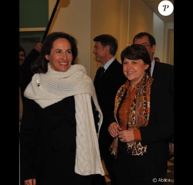 Martine Aubry reçoit Ségolène Royal rue de Solférino, le 26/11/08