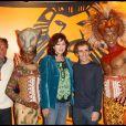 Gérard Holtz, Alain Prost et Julie Arnold - Spectacle du Roi lion à Paris en 2010