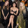 "Mary Charteris, Sofia Boutella et Anaïs Gallagher assistent au défilé ""Mulberry"" à Londres, le 18 septembre 2016."