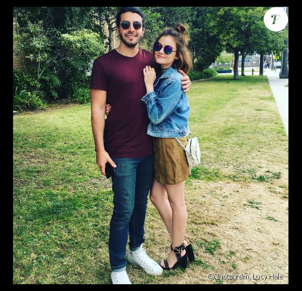 Lucy Hale pose avec Anthony Kalabretta sur Instagram