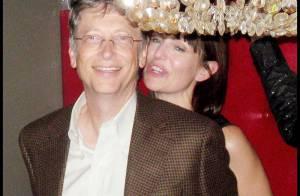 PHOTO : Bill Gates s'amuse avec une femme... mais ce n'est pas la sienne !