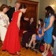"""La duchesse Catherine de Cambridge, en robe Preen by Thornton Bregazzi et portant la broche feuille d'érable qui appartenait jadis à la reine mère, lors de la réception organisée en l'honneur du prince William et d'elle-même le 26 septembre 2016 à la Maison du Gouvernement de Victoria, en Colombie-Britannique, au troisième jour de leur visite officielle au Canada.   Le prince William et Catherine Kate Middleton, la duchesse de Cambridge assistent à la """"Black Rod Ceremony"""" à la """"Government House"""" à Victoria, dans le cadre de leur voyage officiel au Canada 26 september 2016 The Duke of Cambridge attends a 'Black Rod Ceremony' during a reception at Government House in Victoria, during the third day of their tour of Canada.26/09/2016 - Victoria"""