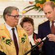 Le prince William a joué un rôle actif dans la cérémonie de réconciliation entre des chefs de la communauté indigène de Colombie-Britannique et le gouvernement, aidant à placer une bague symbolique sur le sceptre noir du jubilé de diamant, juste avant la réception organisée en son honneur et celui de la duchesse Catherine de Cambridge le 26 septembre 2016 à la Maison du Gouvernement de Victoria, au troisième jour de leur visite officielle au Canada.