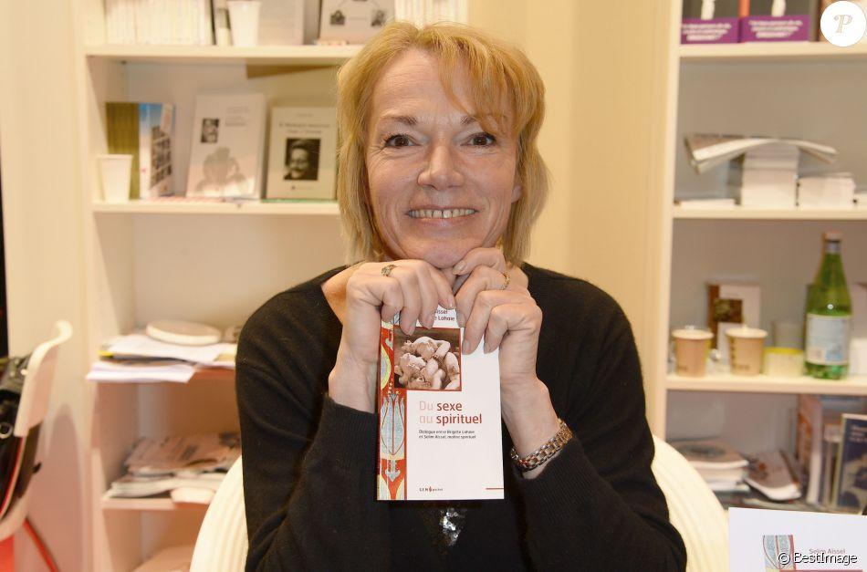 Brigitte lahaie la 34 me dition du salon du livre la - Salon du livre porte de versailles 2015 ...