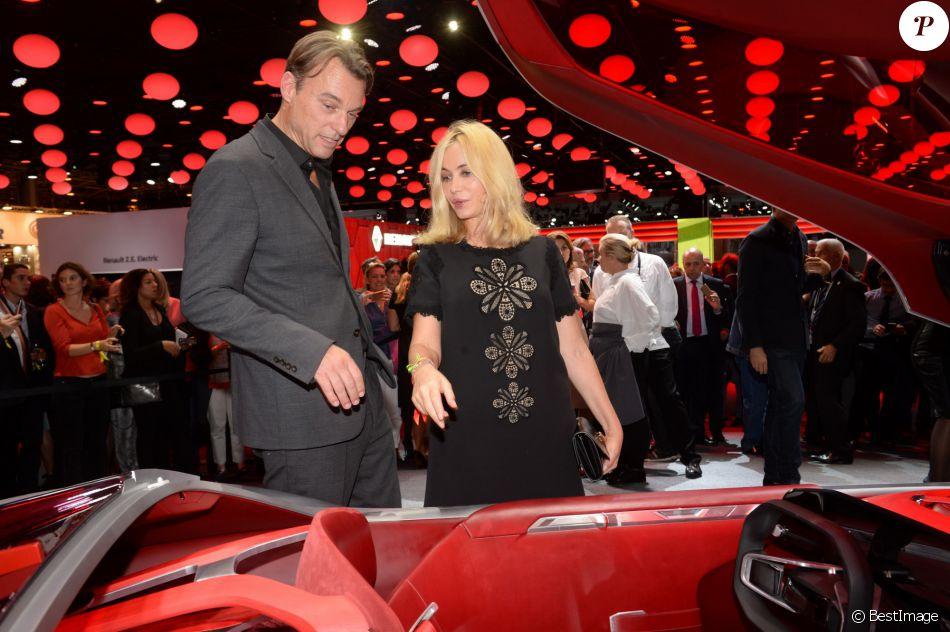 Laurens Van Den Acker Et Emmanuelle B Art Pr Sentation Du Renault Trezor Concept Car
