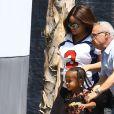 Exclusif - Blac Chyna (enceinte), la compagne de Rob Kardashian, et son fils King Cairo à Los Angeles le 25 août 2016