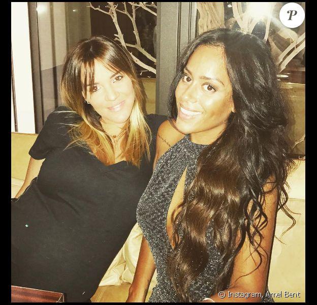 Amel Bent pose avec une amie enceinte sur Instagram le 2 octobre 2016.