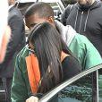 Kim Kardashian arrive à son appartement à New York le 3 octobre 2016. Elle est de retour de Paris où elle a été agressée et détroussée de 10 millions de dollars. Elle a quitté Paris en jet privé ce matin (le 3 octobre 2016) accompagnée de sa mère Kris Jenner. Son mari Kanye West est venu la chercher à l'aéroport Teterboro. 03/10/2016 - New York City