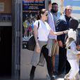 Exclusif - Prix Spécial - No Web No Blog - Pax, Vivienne et Zahara - Brad Pitt, Angelina Jolie et leurs enfants sont allés fêter l'anniversaire des jumeaux au skate parc Ice Land à Van Nuys. Le 12 juillet 2015