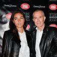 """Jean-Claude Jitrois et guest à l'avant-première du show """"Chantal Thomass"""" au Crazy Horse à Paris, le 5 octobre 2016."""