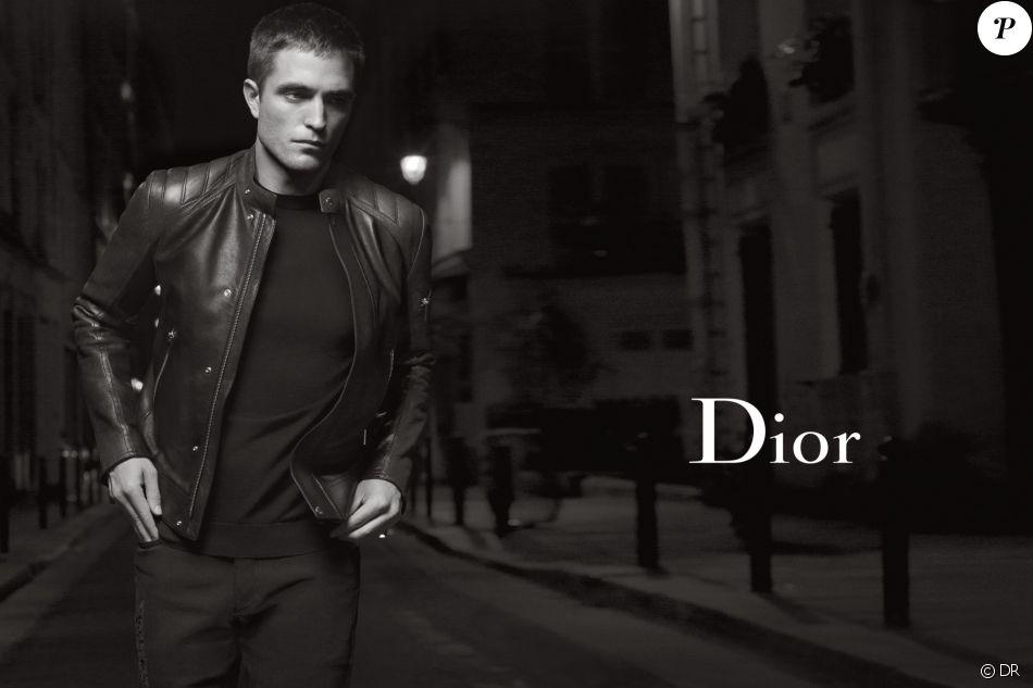 Robert Pattinson figure sur la campagne publicitaire printemps-été 2017 de Dior Homme. Photo par Karl Lagerfeld.
