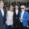 """""""Bernard Arnault, son épouse femme Hélène, Robert Pattinson et Karl Lagerfeld - Défilé Dior Homme printemps-été 2017 au Tennis Club de Paris, le 25 juin 2016. © Olivier Borde/Bestimage"""""""