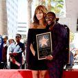 Kevin Hart reçoit son étoile sur le Hollywood Walk of Fame de Los Angeles, le 10 octobre 2016. Ici avec Halle Berry.