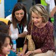 La reine Mathilde de Belgique visite le Centre UNICEF Makani à Mafraq, le 24 octobre 2016 lors de son voyage humanitaire en Jordanie.