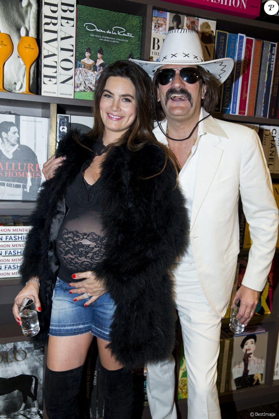 semi exclusif fr d ric beigbeder et sa femme lara micheli enceinte au lancement du livre le. Black Bedroom Furniture Sets. Home Design Ideas